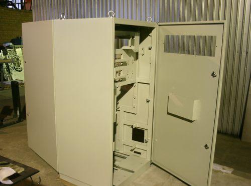 Шкаф металлический двухдверный